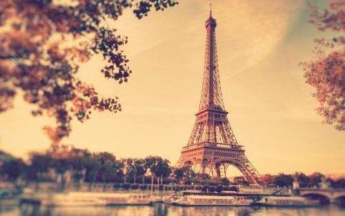 标题:法国埃菲尔铁塔 艾菲尔铁塔 微博配图 无水印